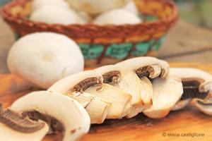 funghi ovoli affettati